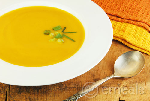 Clean Eating Holiday Menu: Spiced Butternut Squash Soup Recipe