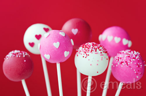 Easy Valentine's Day Red Velvet Cake Pops