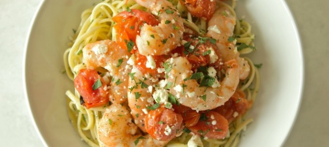 Low-Calorie Garlic Shrimp with Blistered Tomatoes and Linguine