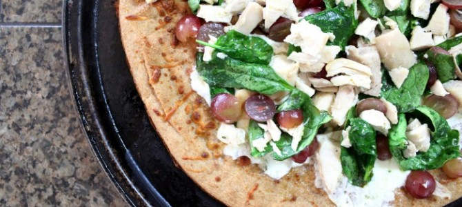 White Pizzas with Chicken, Spinach and Grapes
