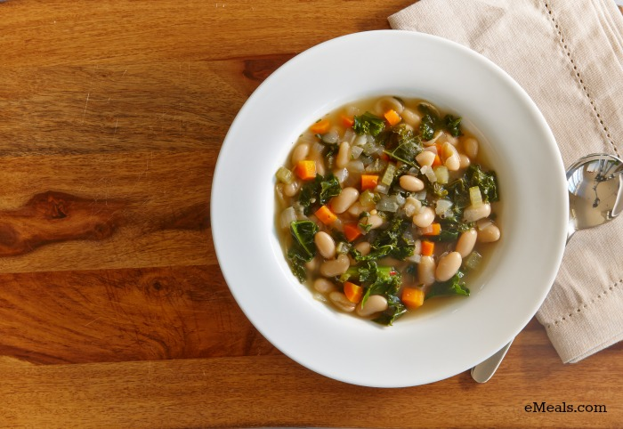 Low Calorie Slow Cooker Kale & White Bean Soup
