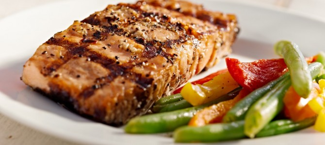 Perfect for Paleo: Grilled Salmon With Lemon-Thyme Vinaigrette