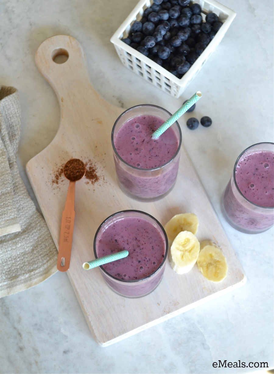 Clean Eating Banana Berry Smoothie