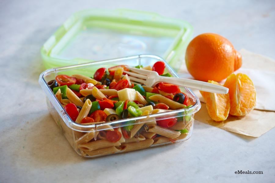 Low Calorie Pizza Pasta Salad. Great for kids for back to school!