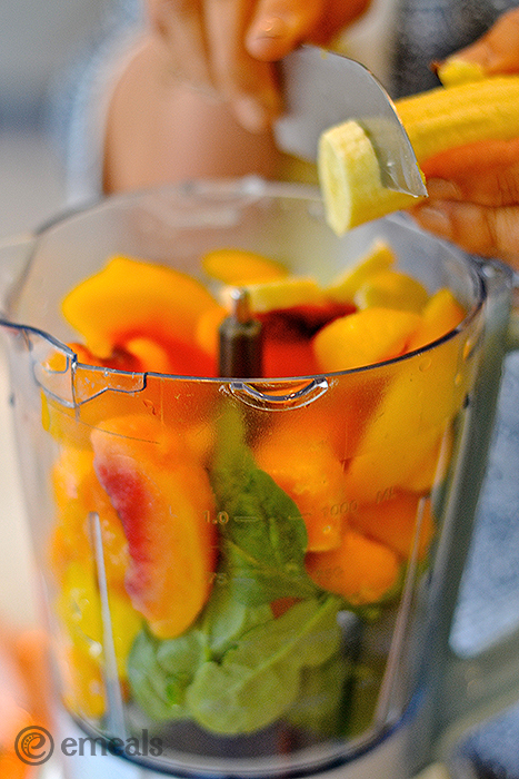 Peachy Green Smoothie | eMeals