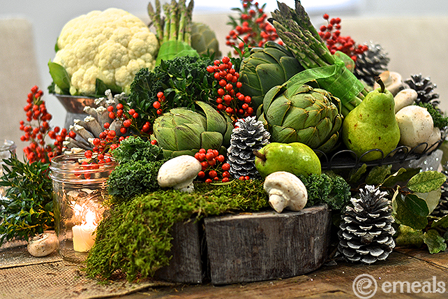 Easy Christmas Centerpiece | eMeals #emealsEats