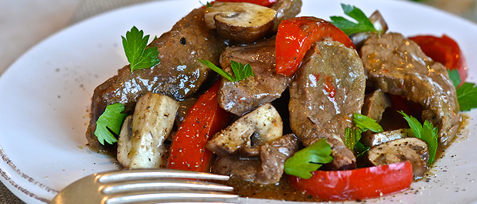 Slow-Cooker Pepper Steak with Mushrooms